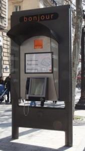Nouvelle cabine téléphonique Orange