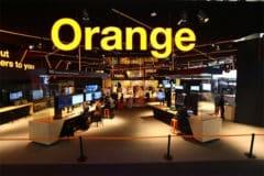 Orange booth au MWC 2019